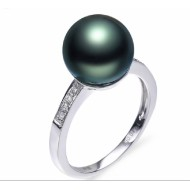 Tahitian Pearl Ring 9.0-10.0mm with Diamond